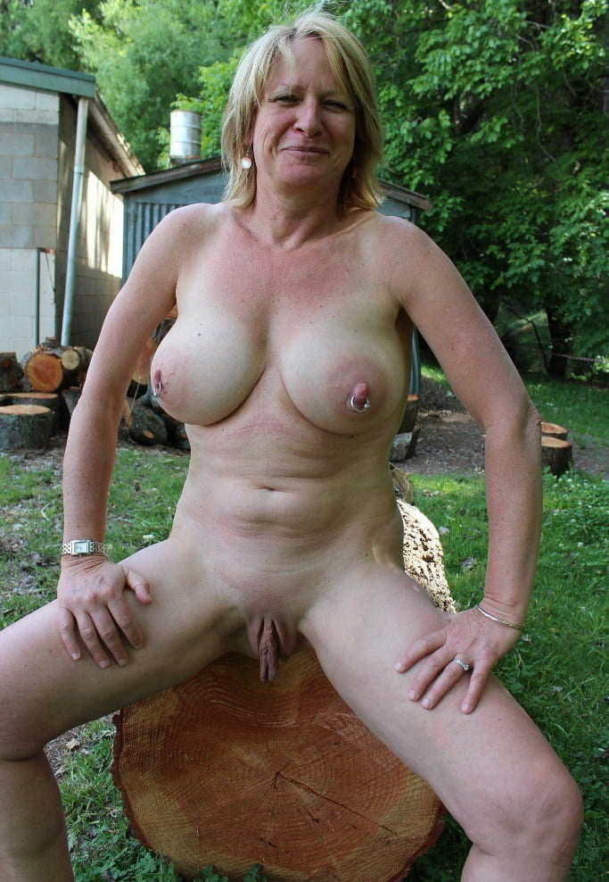 housewife Outdoor blonde big nipples